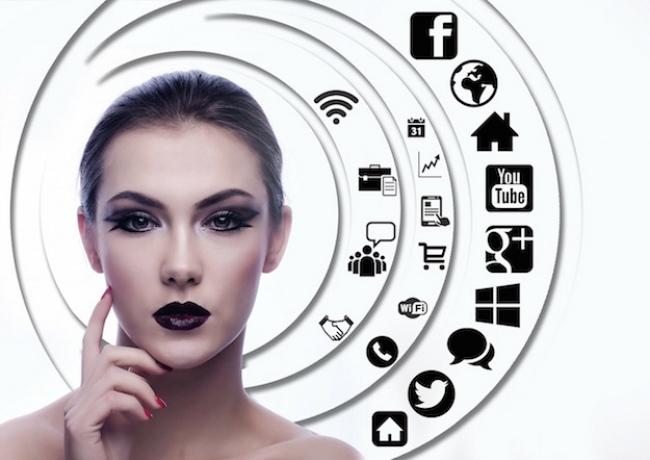 La industria de la belleza se ve impulsada por el internet y las redes sociales